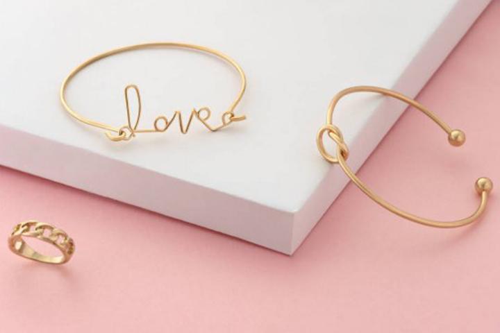 best-stocking-stuffers-teens-leather-bracelets