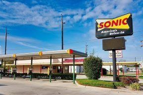 sonic-happy-hour-times-featured-image